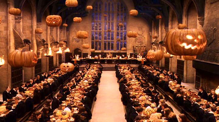 Hallowe'en Feast - Harry Potter Wiki |Harry Potter Hogwarts Wooden Table